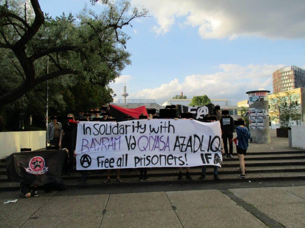 FdA prisoner campaigning in 2016 for Bayram Mammadov and Giyas Ibrahimov